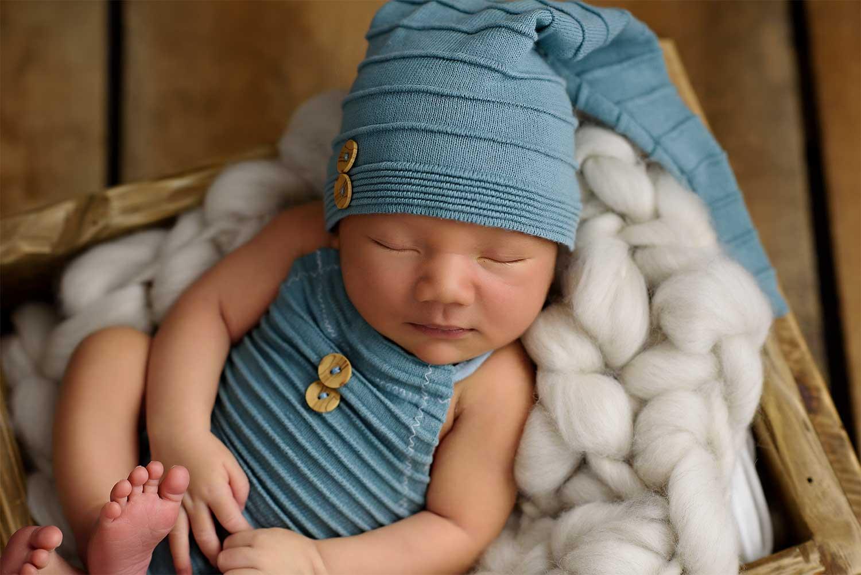 Újszülött fotózás Náray Viktória